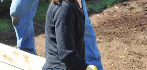 Elementary garners grants to grow garden